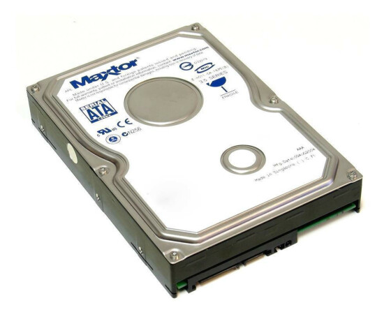 Maxtor DiamondMax Plus 9 - Festplatte - 80 GB - 0Y3392 - 3,5 - intern - HDD - SATA