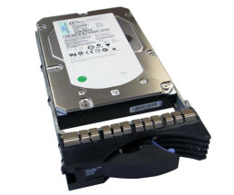 IBM 00P3833 - Hard Drive - 73 GB - 10,000 rpm - 3.5...