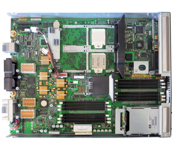 HPE Integrity BL860c - AD217A - Server - Blade - RAM 0 MB - SAS - Hot-Swap 2.5 - keine HDD - GigE